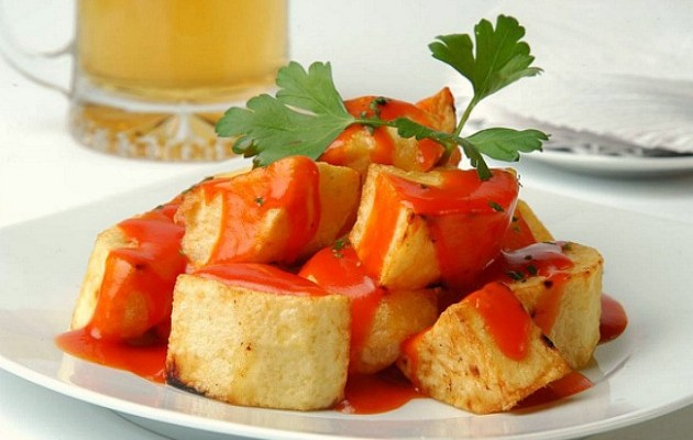 Patatas bravas (fried potatoes served with spicy tomato sauce)