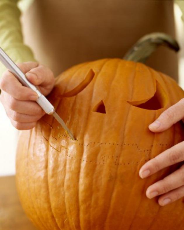 cortando calabaza