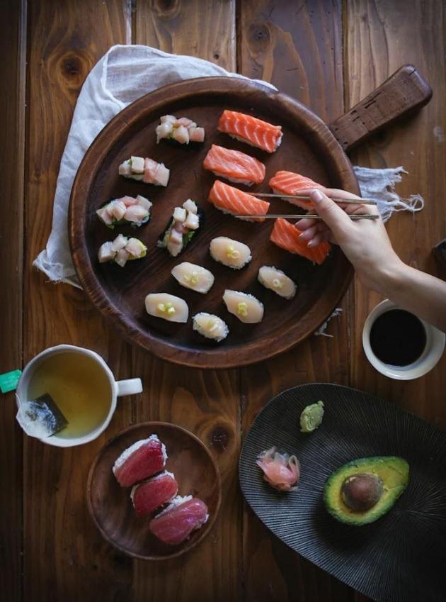 Los elementos imprescindibles para el sushi utensilios e for Utensilios cocina japonesa