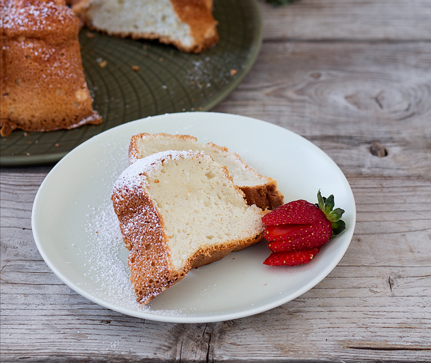 Angel food cake de nieces de macadamia, receta by whole kitchen